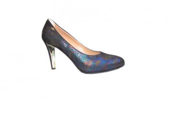 217ab100dacd Детская обувь смотрится изящно и мило на маленькой ножке своей хозяйки или  хозяина тогда, когда она отличается качеством и интересным дизайном.