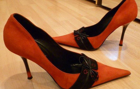 Шикарные вечерние туфли на
