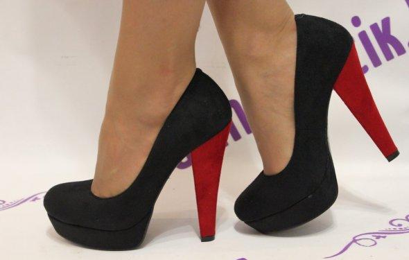 Замшевые туфли на толстом