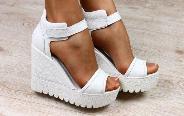 Продано: Женские кожаные белые